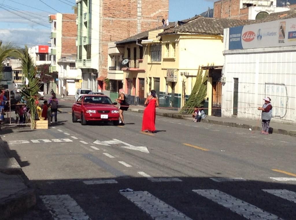 disfrazados de travestis Ecuador