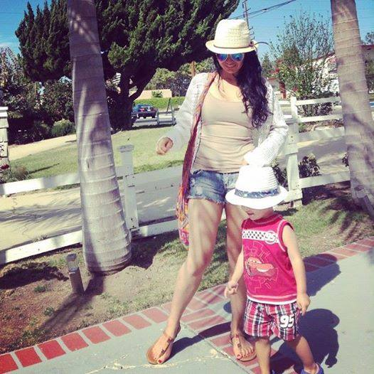 Mama latina en California